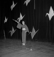 [Dance -- Origami Dance]