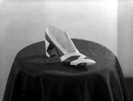 [Art School -- Fashion -- Shoe Setups in Studio]