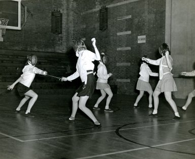 [Physical Education - Fencing]